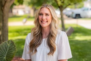 Kate_Wolfe_Bank_Iowa